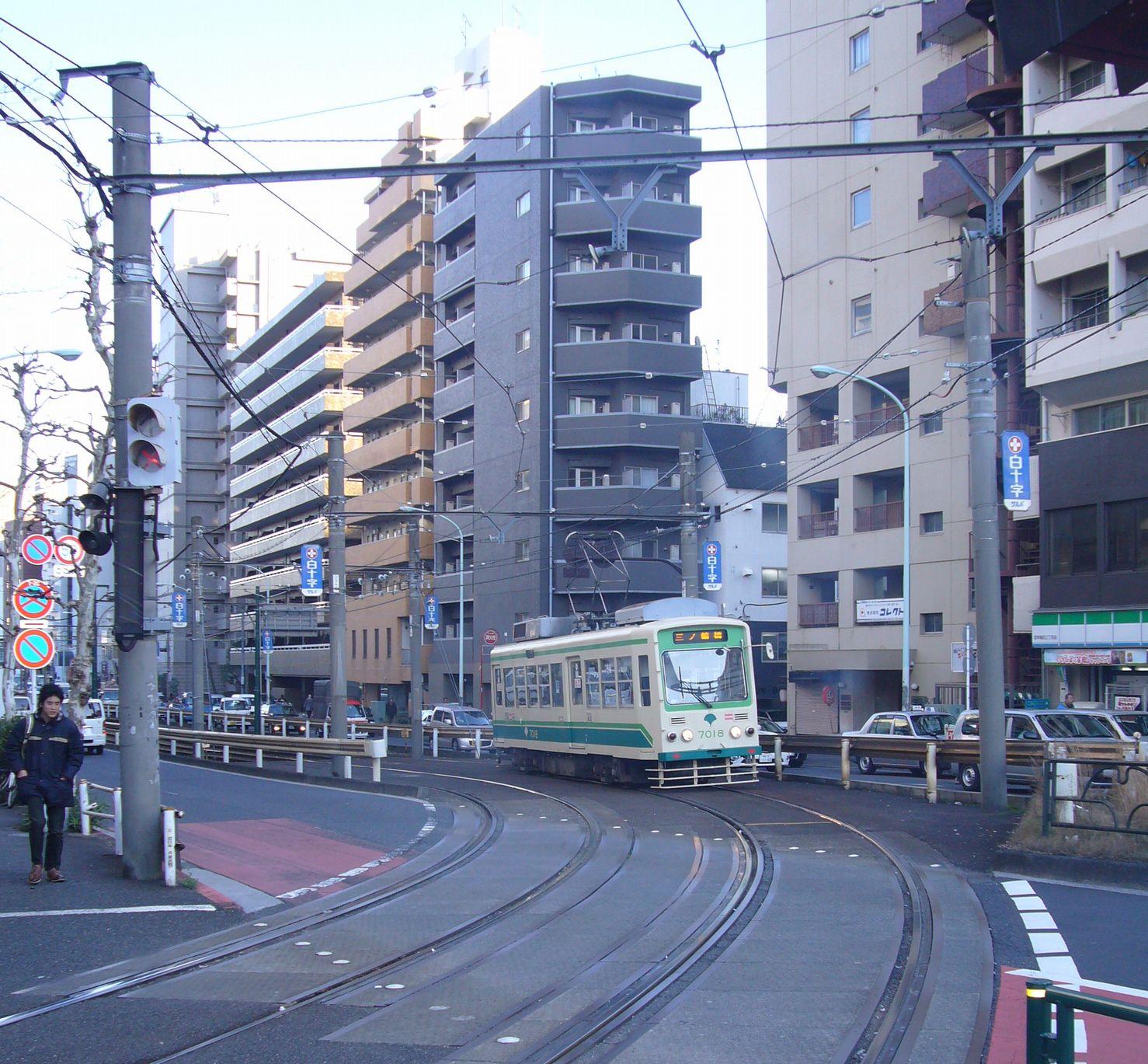 エリアレポート早稲田_早稲田付近を走る都電荒川線
