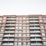新築マンションに割高感、中古マンション市場に注目が集まる